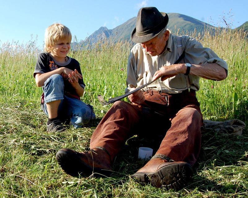 FRÜHER – Dokumentarfilm (in Kooperation mit dem Kath. Bildungswerk)